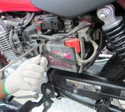 Quando trocar a bateria da moto?